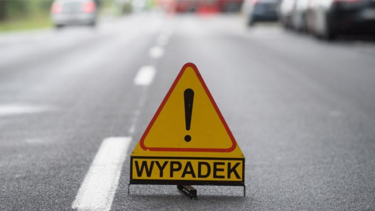 Przez ponad dziewięć godzin dk 78 była zablokowana (fot. PAP/Jakub Kaczmarczyk)