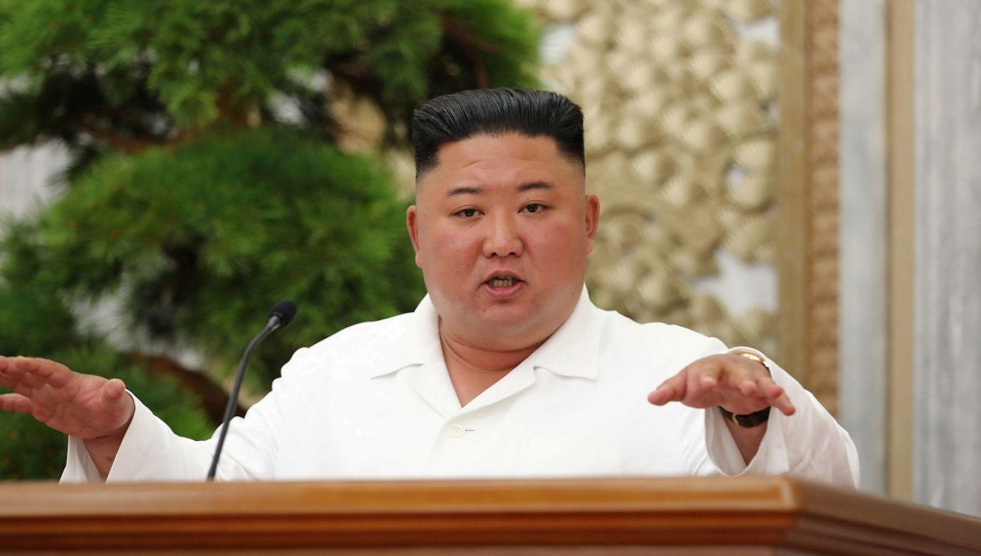 """(Kim wezwał społeczeństwo do utrzymywania """"maksymalnej czujności"""" fot. Reuters/KCNA)"""
