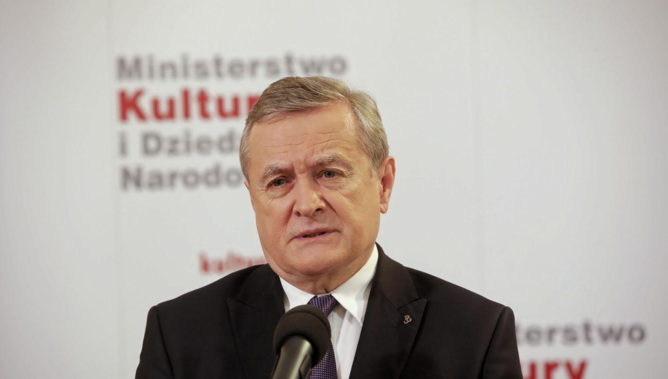 Wicepremier, minister kultury i dziedzictwa narodowego Piotr Gliński  (fot. PAP/Wojciech Olkuśnik)