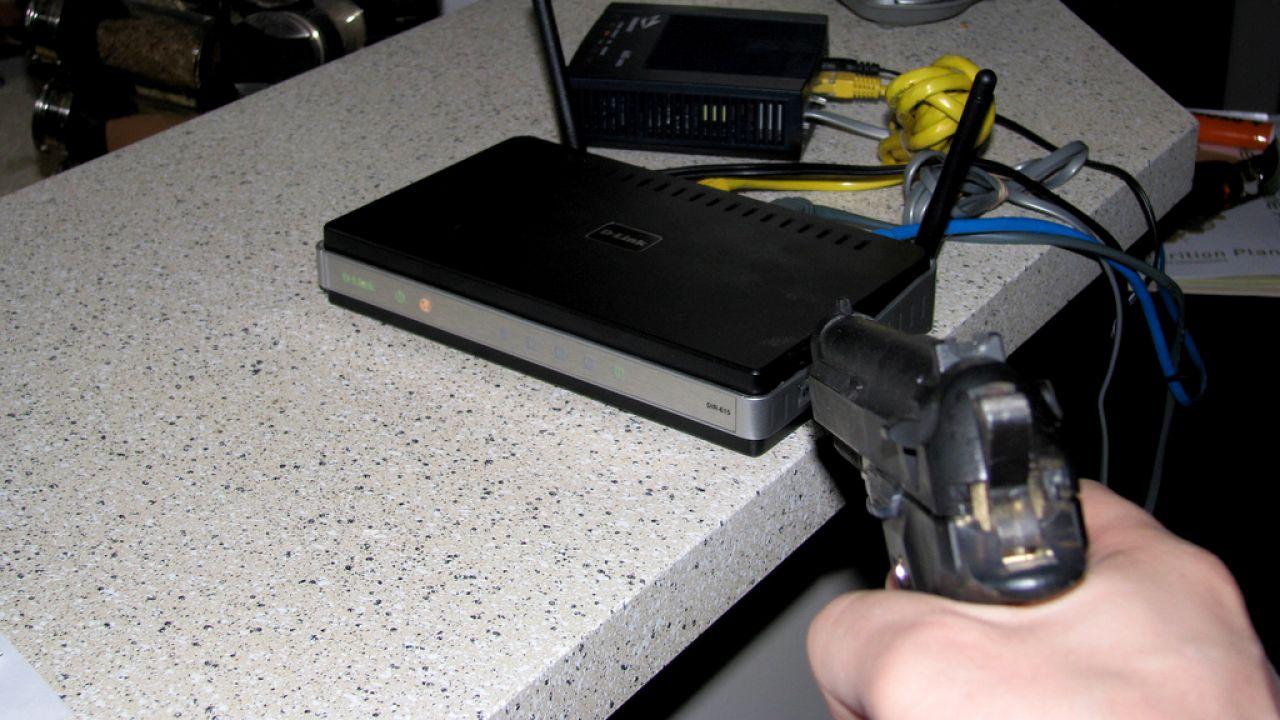 Router może paść ofiarą ataku (fot. flickr.com/ Adam Lynch)