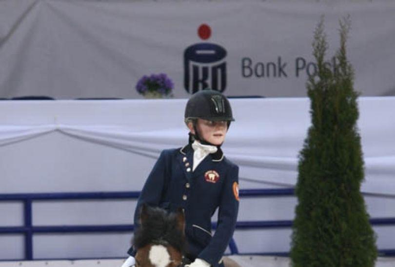 Dzieci podeszły do zawodów profesjonalnie (fot. cavaliada-warszawa.pl)