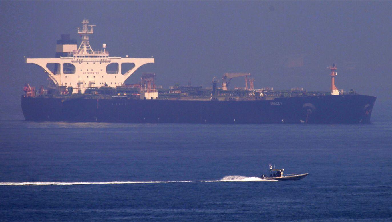 Na razie nie wiadomo, kiedy Grace 1 opuści port w Gibraltarze (fot. PAP/EPA/A.CARRASCO RAGEL)