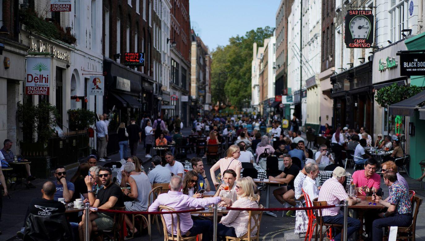 Tak w dzisiejsze popołudnie wyglądała londyńska dzielnica Soho (fot. REUTERS\Henry Nicholls)