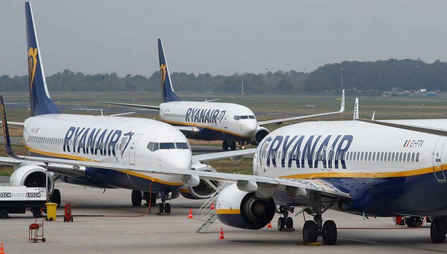 Znalezione obrazy dla zapytania ryanair poznan airport
