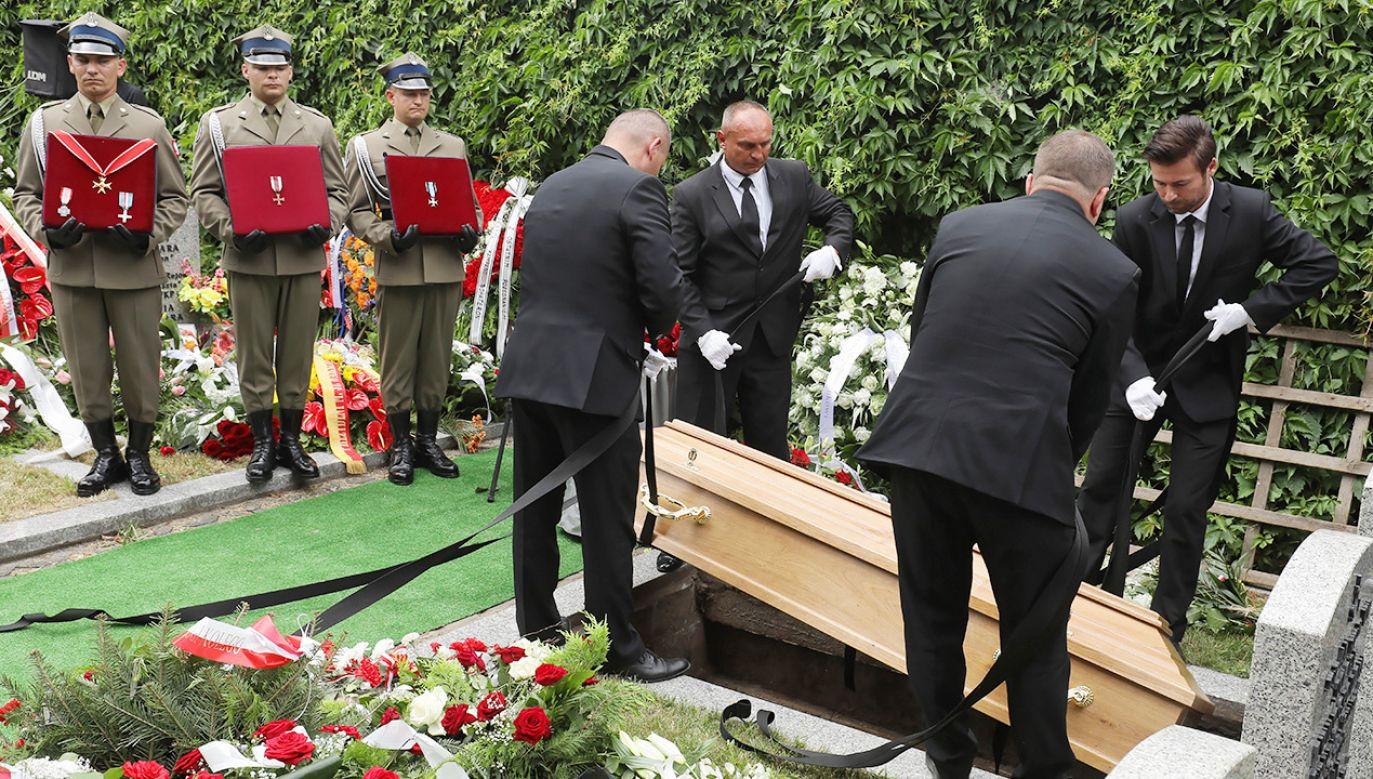 Pogrzeb prof. Witolda Kieżuna na Cmentarzu Wojskowym na Powązkach (fot. PAP/Paweł Supernak)