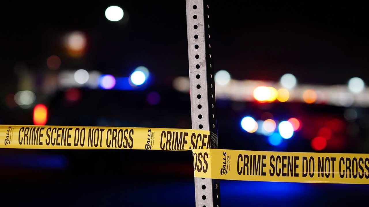 Jeden z funkcjonariuszy strzelił chłopcu w klatkę piersiową (fot. PAP/EPA/BRENDAN DAVIS)