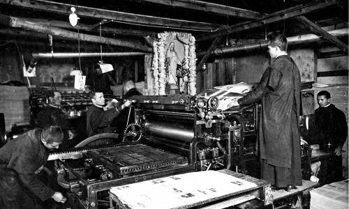 """W 1939 roku nakład """"Rycerza Niepokalanej"""" wynosił milion egzemplarzy. Fot. Mat. wyd. Biały Kruk"""
