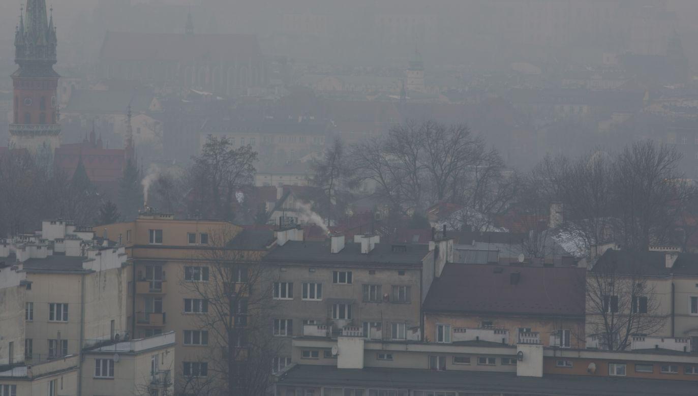 Smog in Kraków. Photo: Wikimedia Commons/Andrzej Kamiński
