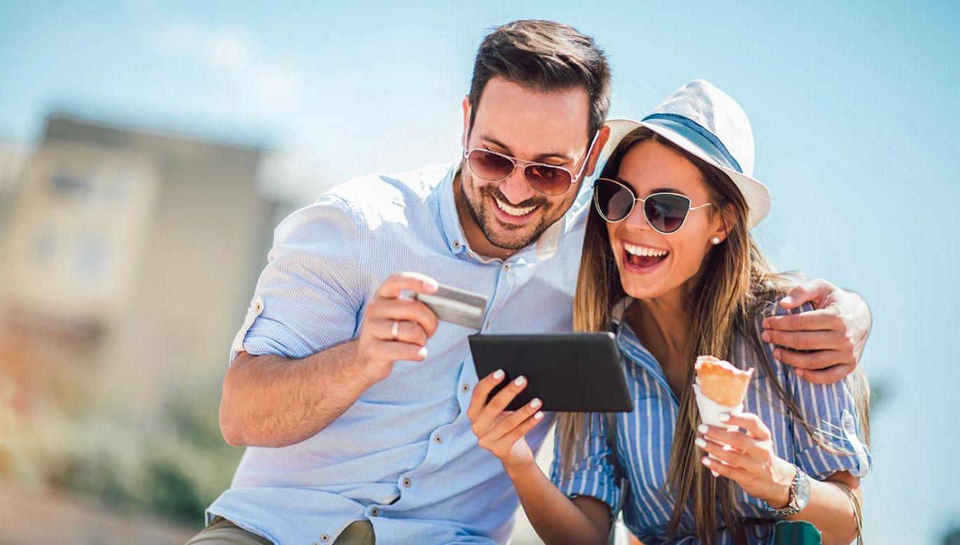 Wakacje kredytowe to jedno z rozwiązań zawartych w projekcie tarczy antykryzysowej 4.0 (fot. Shutterstock/adriaticfoto)