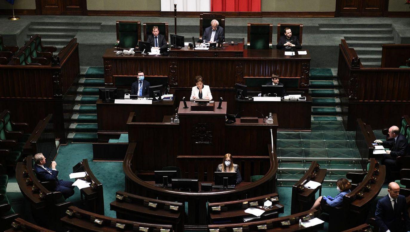 Sejm zajął się także projektem złożonym przez PSL (fot. PAP/Radek Pietruszka)