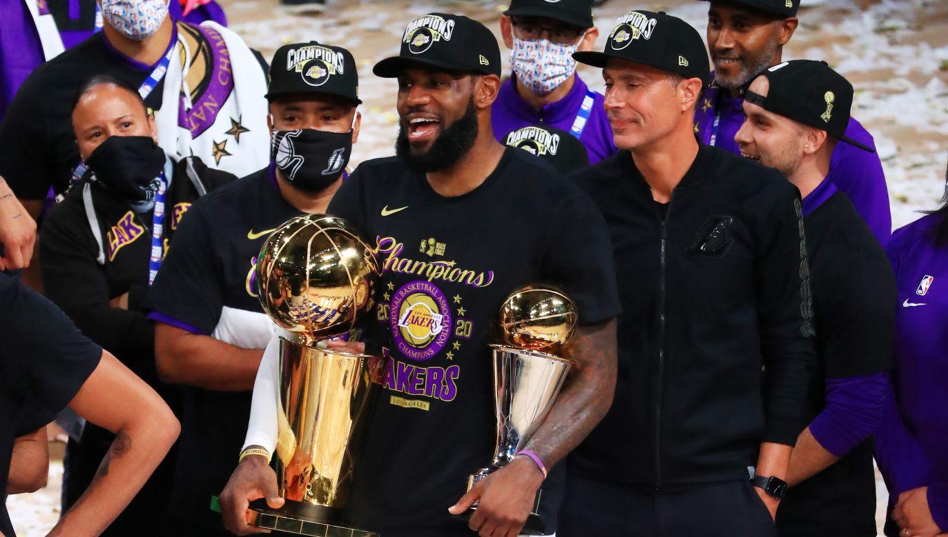 Los Angeles Lakers na mistrzostwo czekali dziesięć lat (fot. Getty Images)