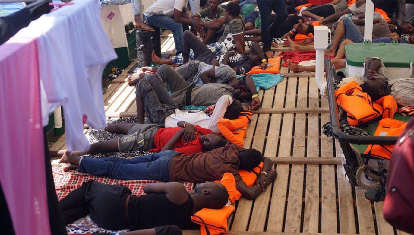 Na pokładzie statku Open Arms znajduje się około 150 migrantów (fot. TT/Open Arms)