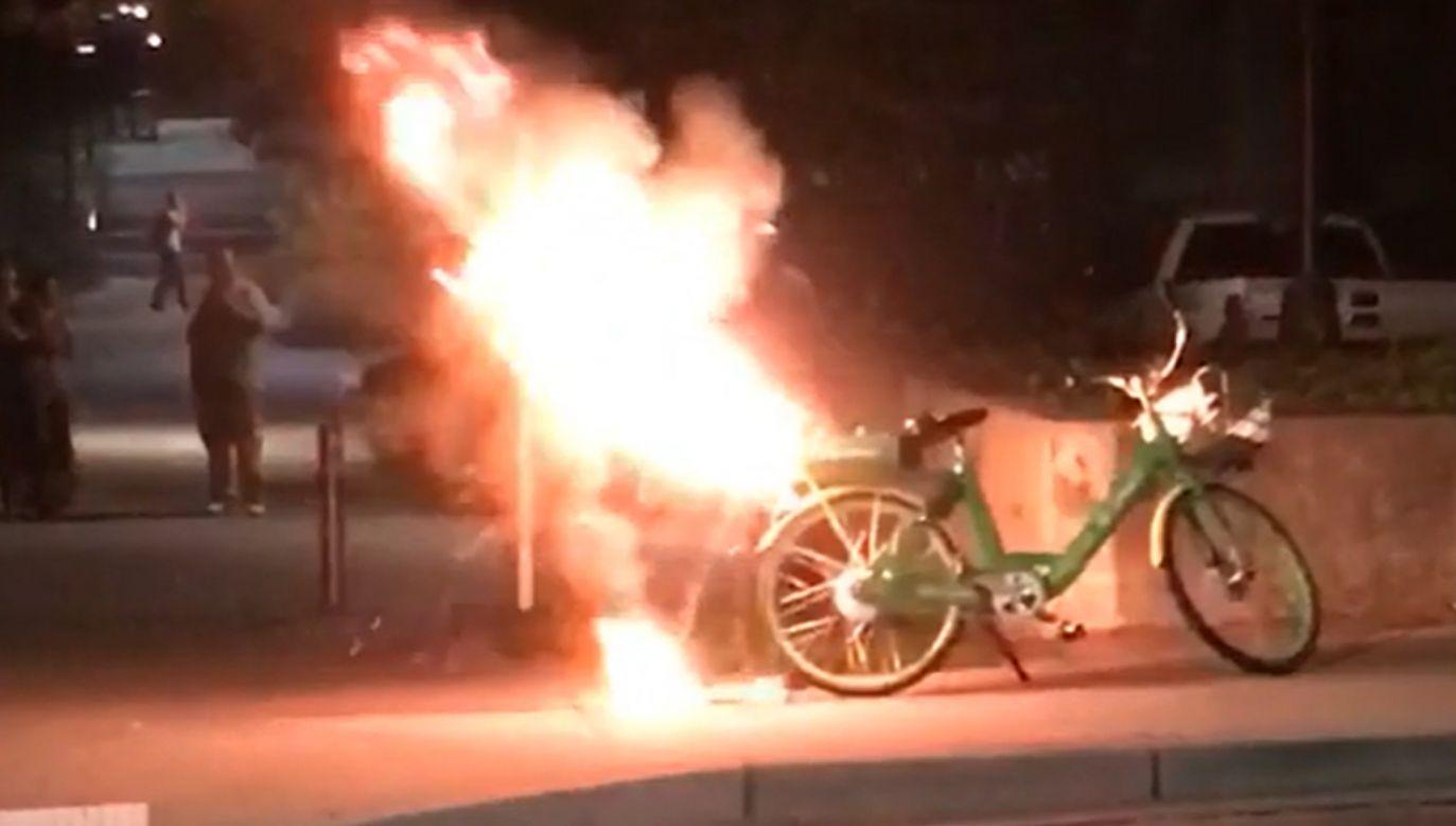 Zdaniem wypożyczalni oba pożary są efektem aktów wandalizmu (fot. reddit.com)