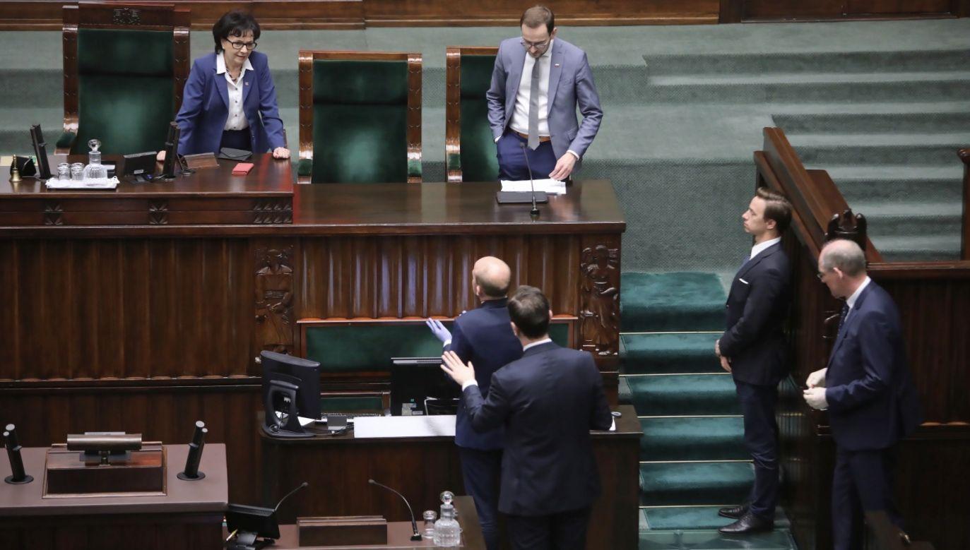 183 posłów KO, Lewicy i PSL zagłosowało przeciwko tarczy antykryzysowej (fot. PAP/Tomasz Gzell)
