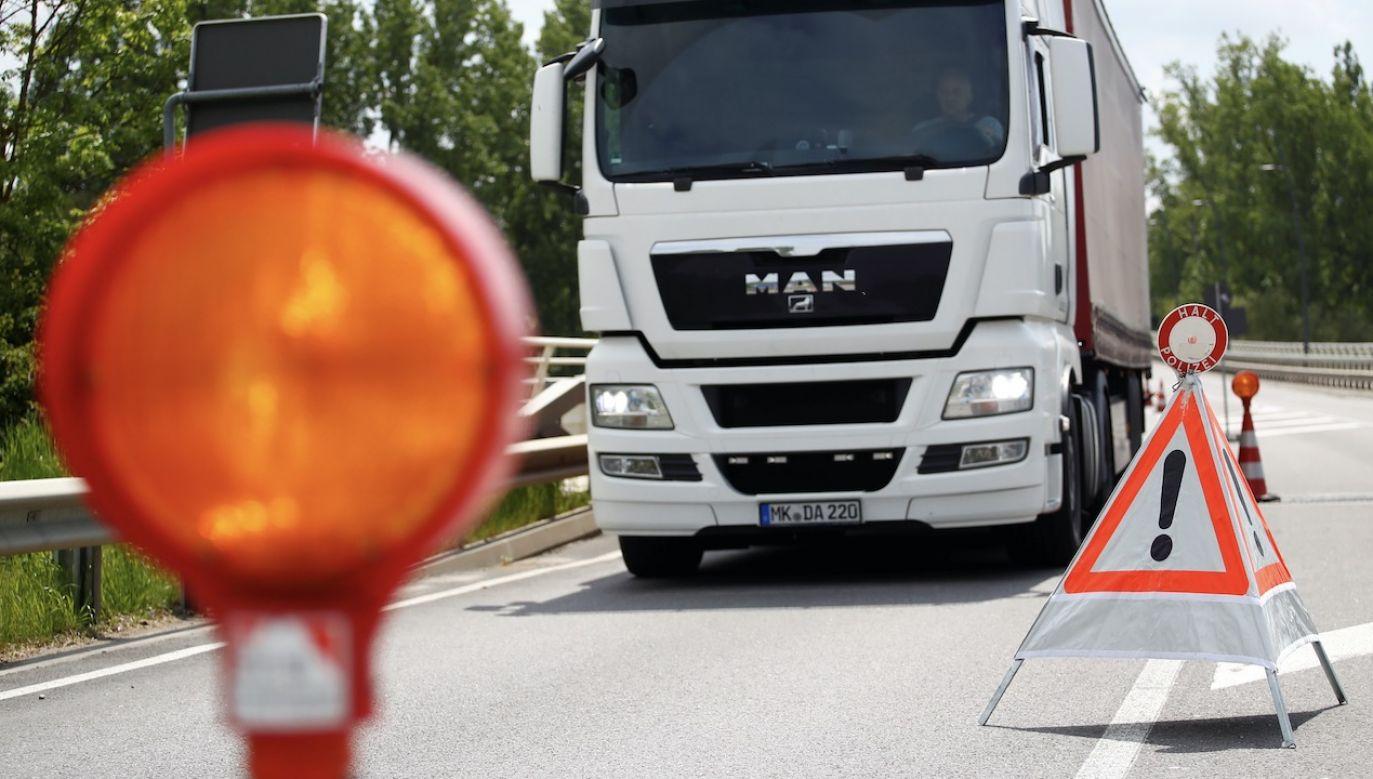 Ciała 39 migrantów znaleziono w ciężarówce (fot. REUTERS/Wolfgang Rattay)