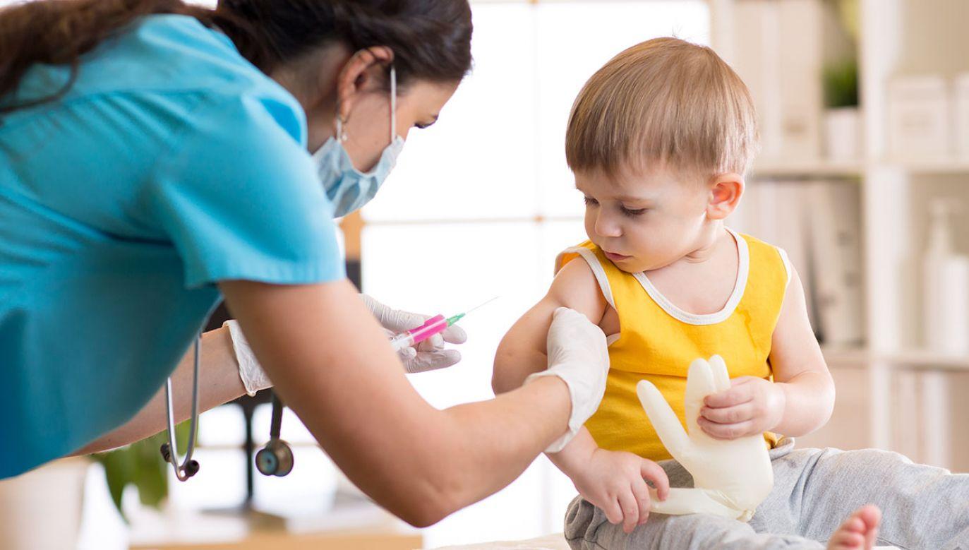 Sąd: w ramach rekrutacji można zbierać informacje o szczepieniach (fot. Shutterstock/Oksana Kuzmina)