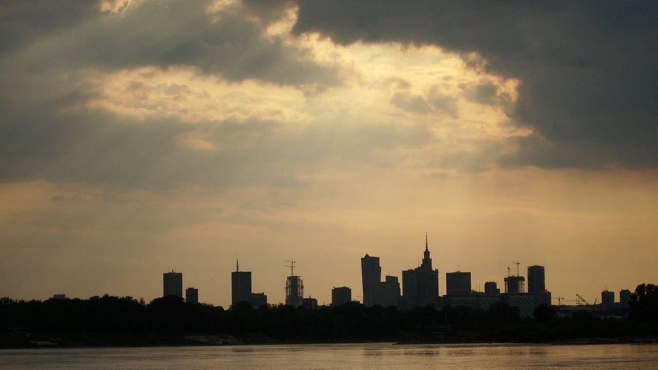 W Warszawie nie powinno padać (fot. Pixabay)