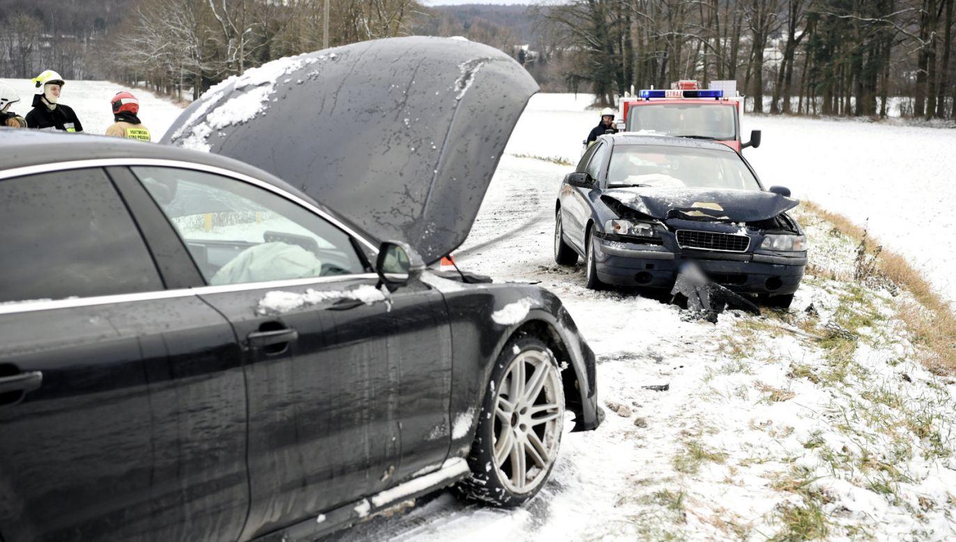 Chodzi o projekt ustawy o zmianie ustawy o transporcie drogowym (fot. PAP/D.Delmanowicz, zdjęcie ilustracyjne)