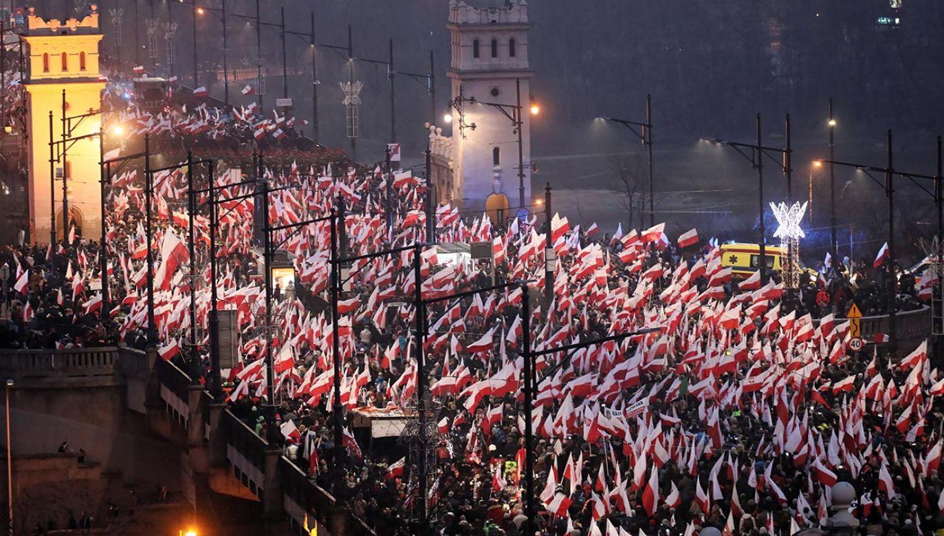Stowarzyszenie Marsz Niepodległości działa zgodnie z przepisami Konstytucji RP i ustaw – twierdzi stołeczna prokuratura (fot.  PAP/Paweł Supernak)
