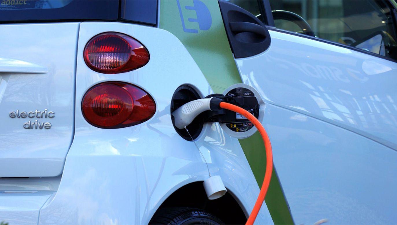 LG Chem chce uruchomić fabrykę baterii do aut elektrycznych (fot. Pexels)