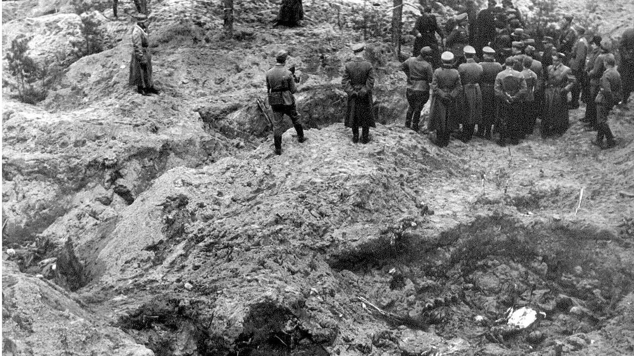 Rosjanie chcieli zrzucić odpowiedzialność za zbrodnię na Niemców (fot. IPN)