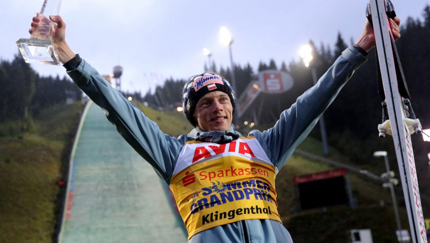 Zwycięzca Letniej Grand Prix w skokach narciarskich Dawid Kubacki (fot. PAP/Grzegorz Momot)