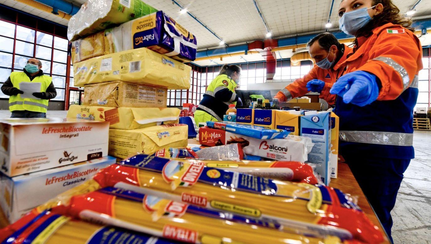 Największego spadku – 19,1 proc. – doznały w marcu ceny cukru (fot. PAP/EPA/CIRO FUSCO)
