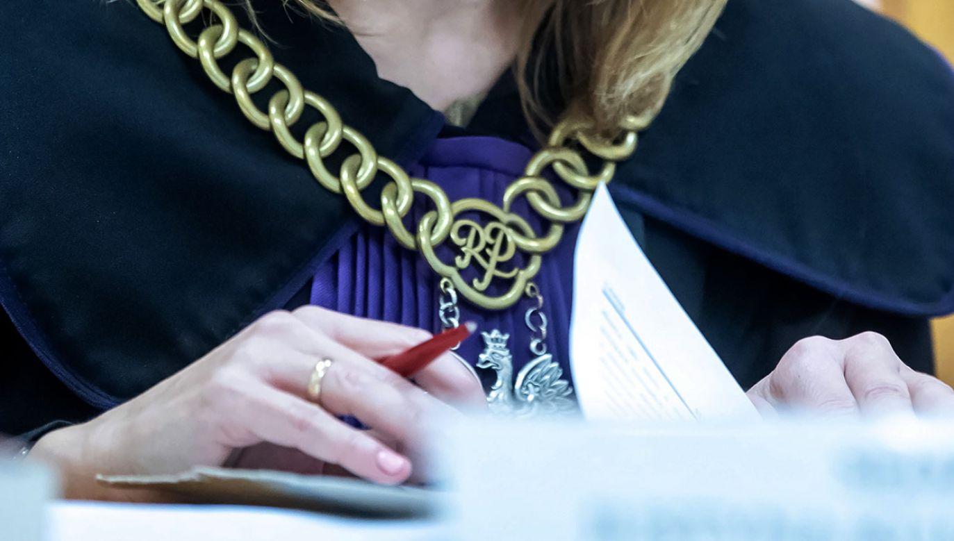 W projekcie podkreślono, że sędziowie odpowiadają dyscyplinarnie za działania o charakterze politycznym (fot. PAP/Tytus Żmijewski)