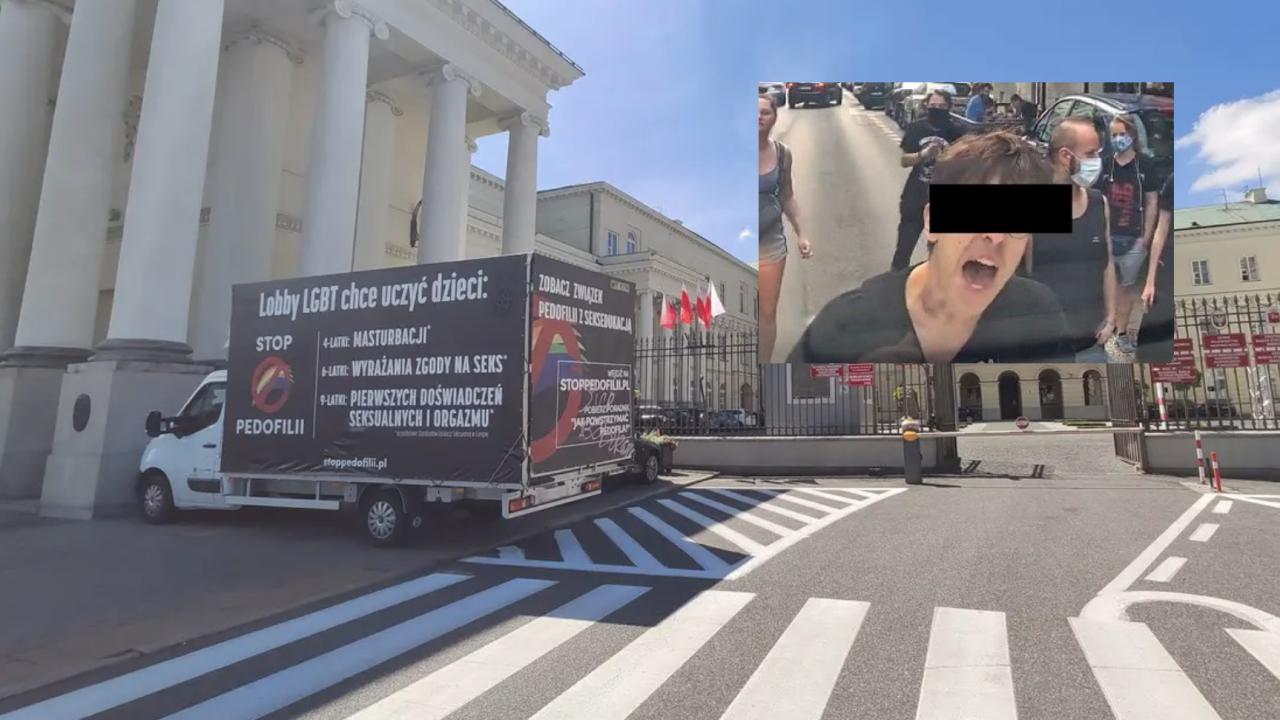 To z tego miejsca przed ratuszem odholowano furgonetkę Fundacji Pro-Prawo do Życia (fot. www.stronazycia.pl)