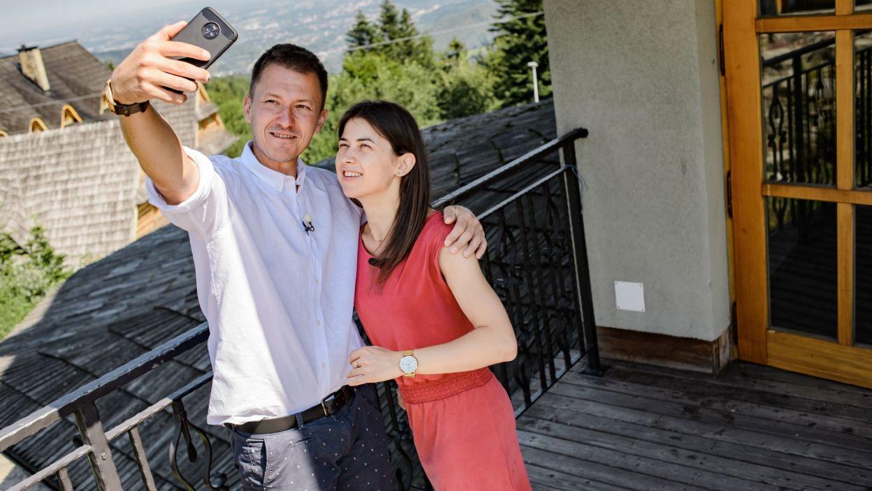 Para daje sobie szansę pomimo rozbieżności charakteru, oboje wierzą, że im się uda  (fot. TVP)