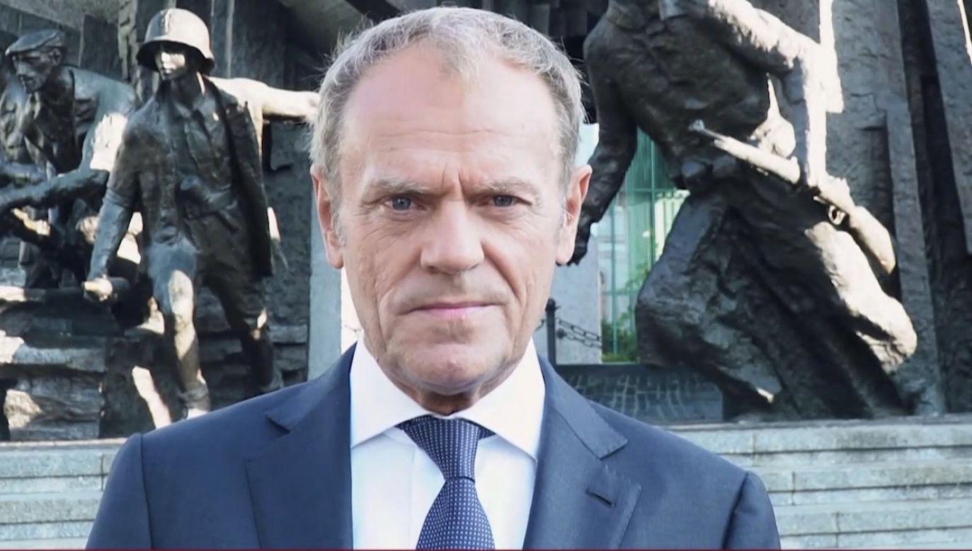 onald Tusk ani słowem nie wspomniał o tym, z kim musieli walczyć powstańcy (fot. tt/Donald Tusk)