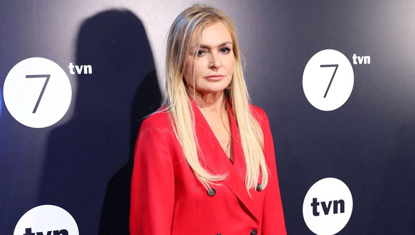 – Dlaczego Monika Olejnik zataiła przed widzami TVN24, że jej ojciec był majorem SB? – pyta europoseł Tarczyński (fot. PAP/Leszek Szymański)