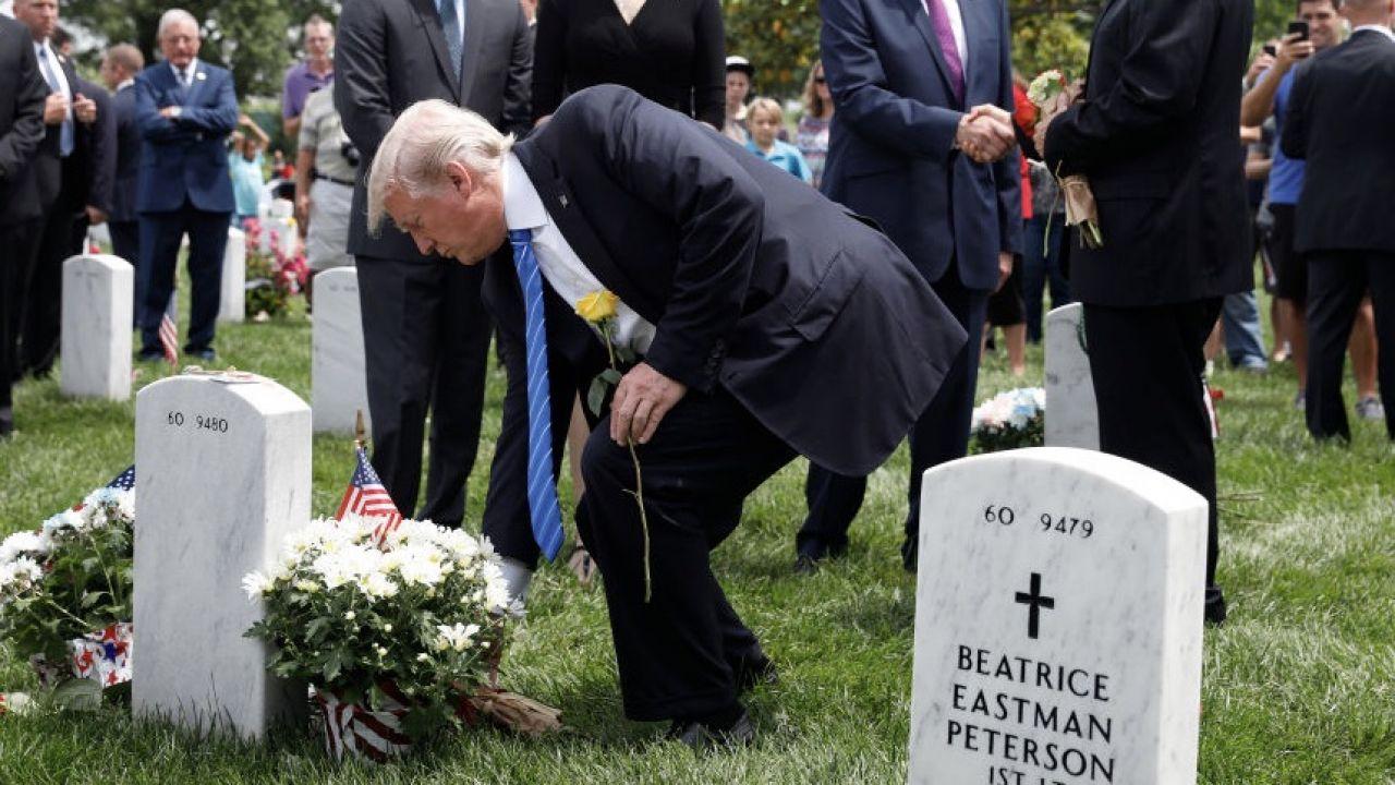 Amerykański prezydent ma odwiedzić cmentarz w Arlington (fot. Aaron P. Bernstein/Getty Images)