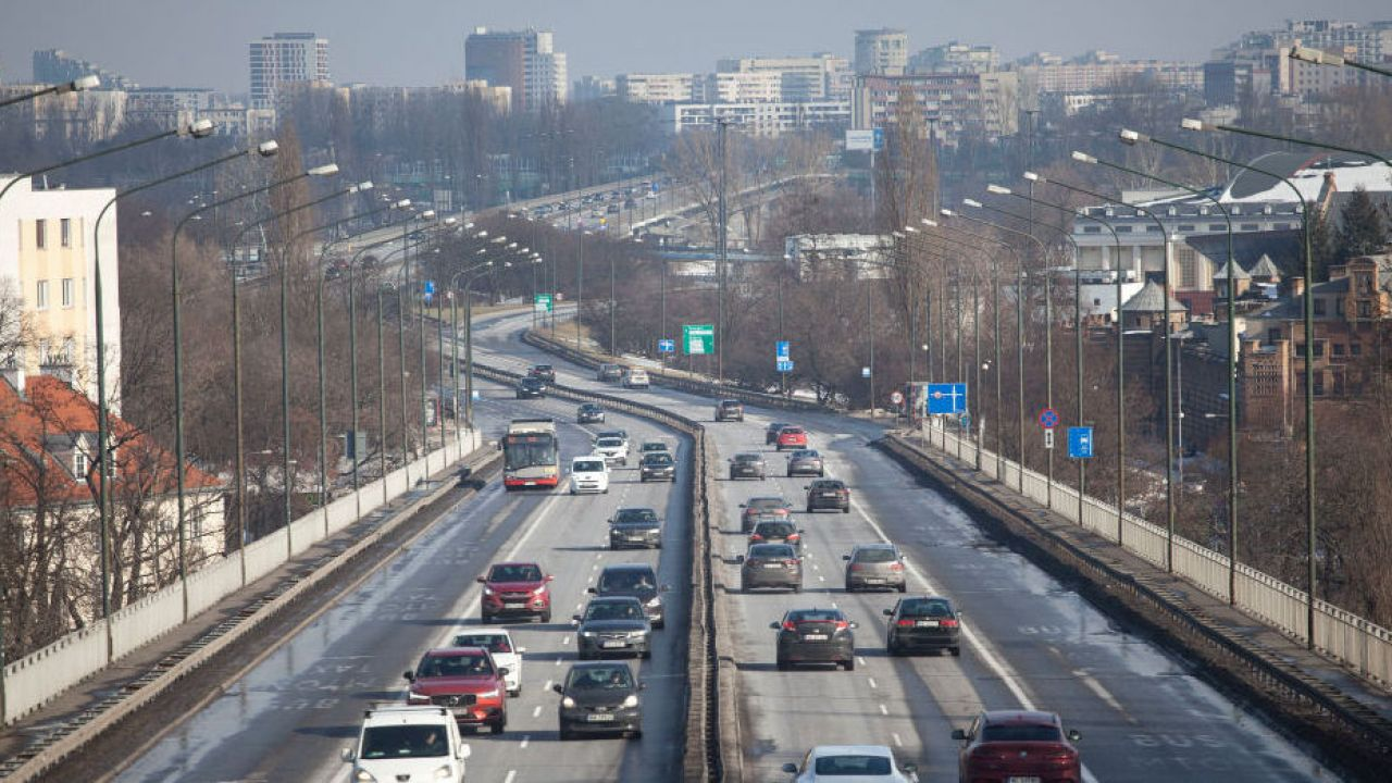 Luka VAT w Polsce. Jakie są szacunkowe dane? (fot. Maciej Luczniewski/NurPhoto via Getty Images)