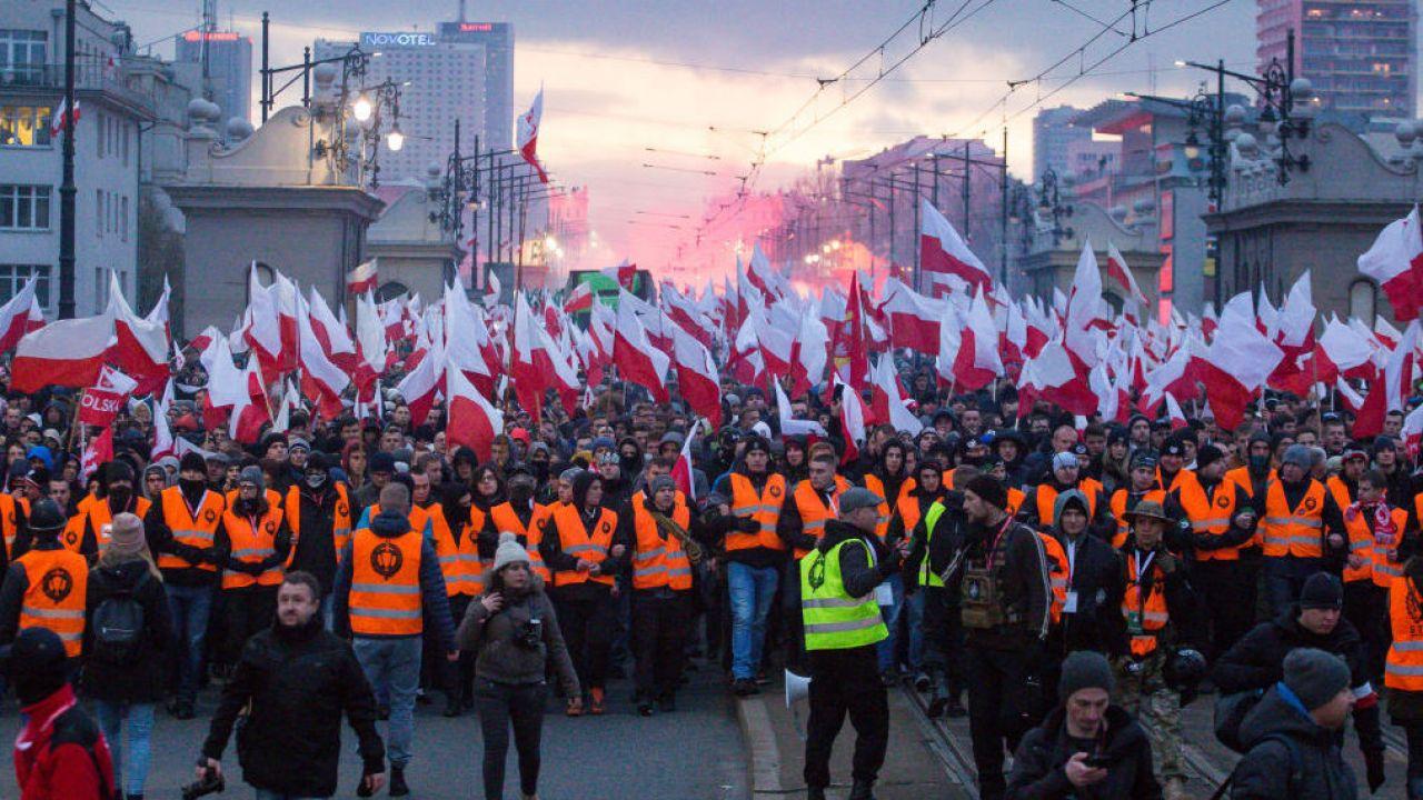 Marsz Niepodległości. Organizatorzy odpowiadają politykom PO (Getty Images/ Mateusz Włodarczyk)
