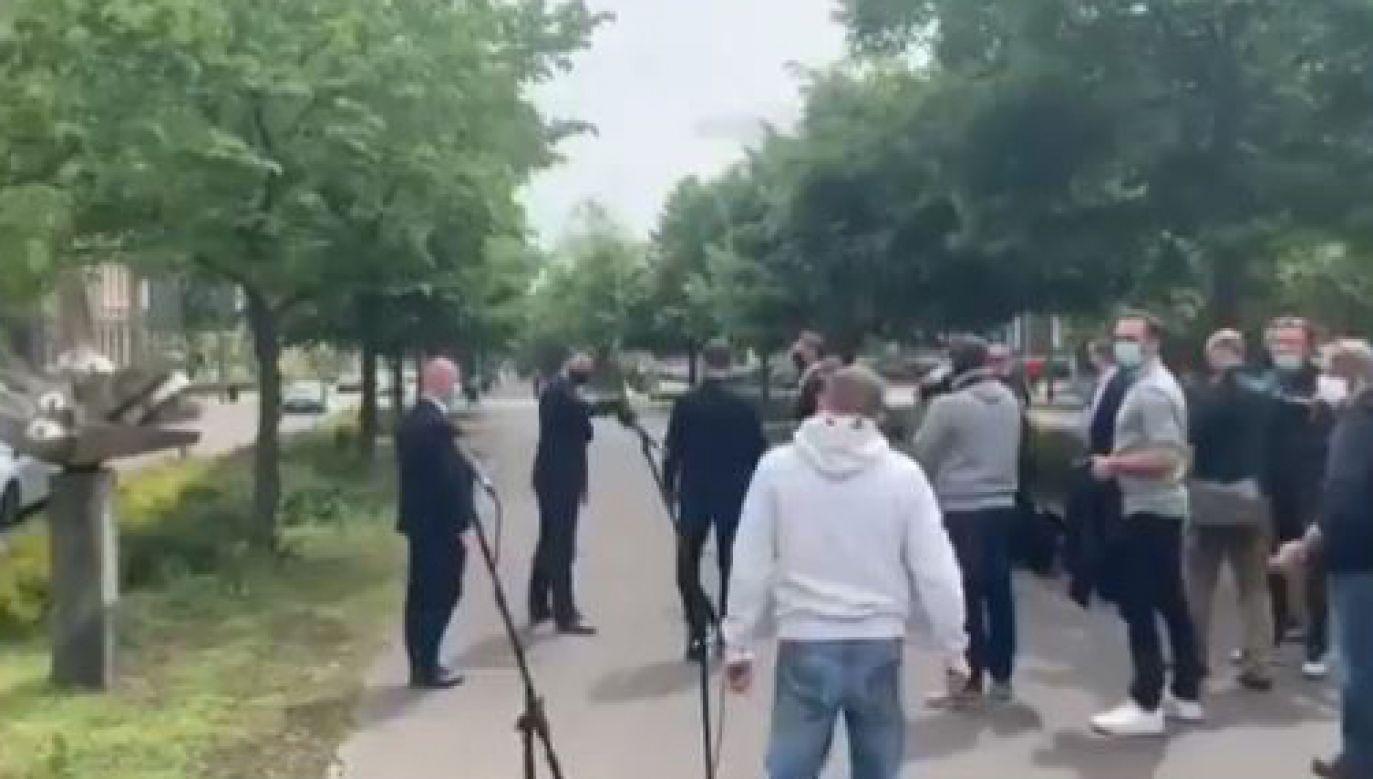 Rafał Trzaskowski nie odpowiedział na pytanie mieszkańca (fot. Twitter/ivanka833)
