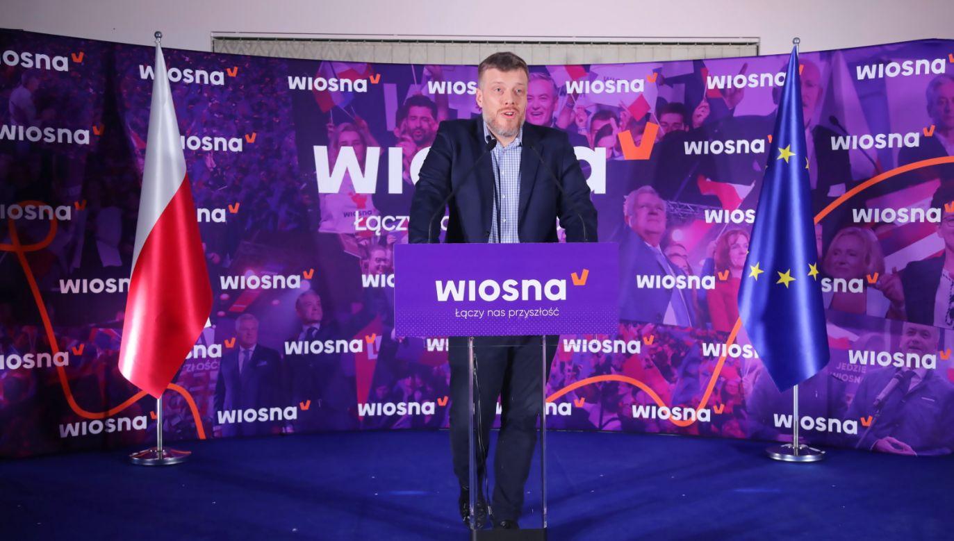 Zandberg podkreślał, że to ważny dzień dla Lewicy, w której zaczyna się nowy etap współpracy (fot.PAP/Wojciech Olkuśnik)