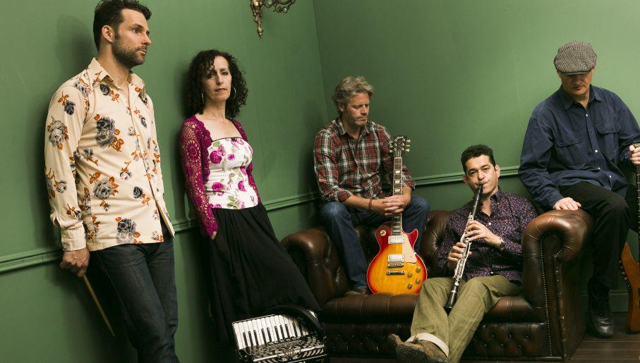 Muzyka zespołu Hamsa to autentyczny, śródziemnomorski tygiel (fot. mat. pras)