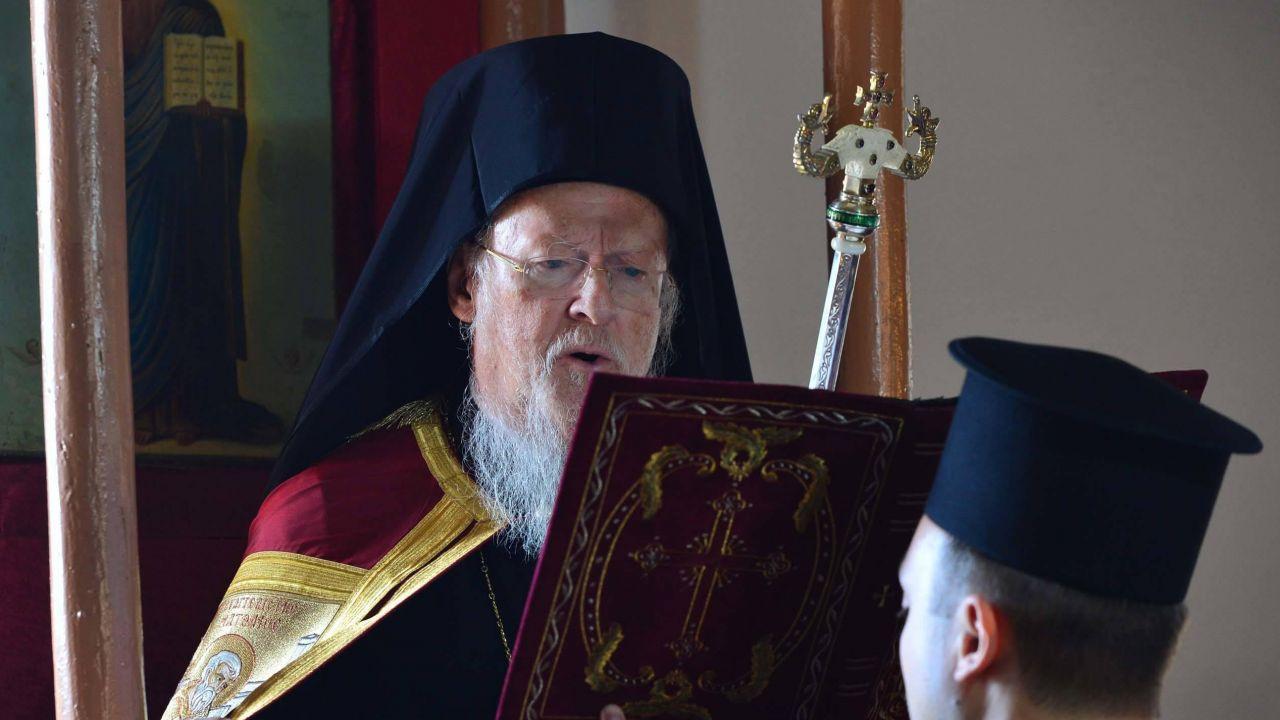 """Patriarcha Konstantynopola Bartłomiej """"nie boi się gróźb"""" Rosji (fot. PAP/Abaca/AA)"""