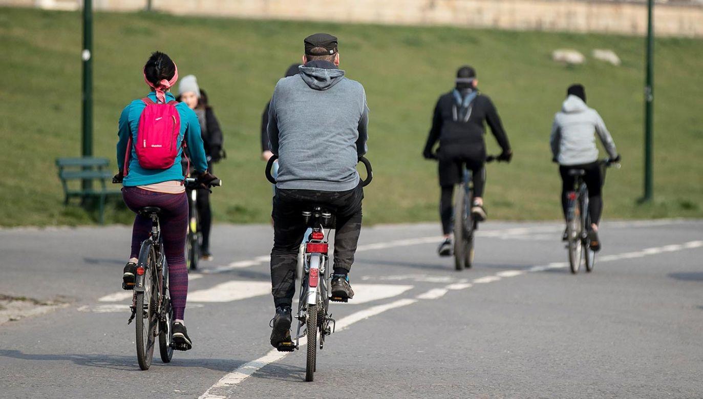 Pozostaje rower stacjonarny (fot. PAP/Łukasz Gągulski)