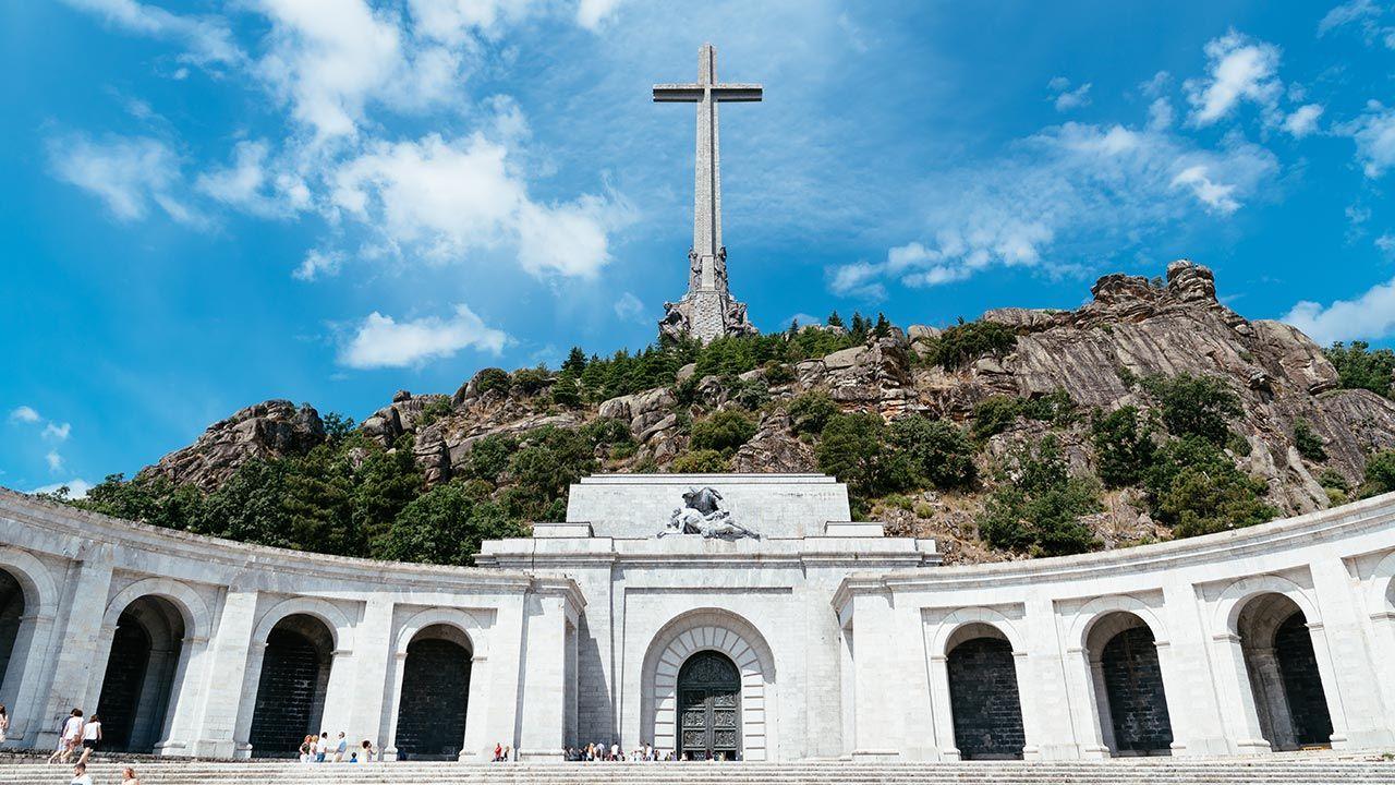 W podmadryckiej Dolinie Poległych znajduje się mauzoleum hiszpańskiej wojny domowej (fot. Shutterstock/JJFarq)