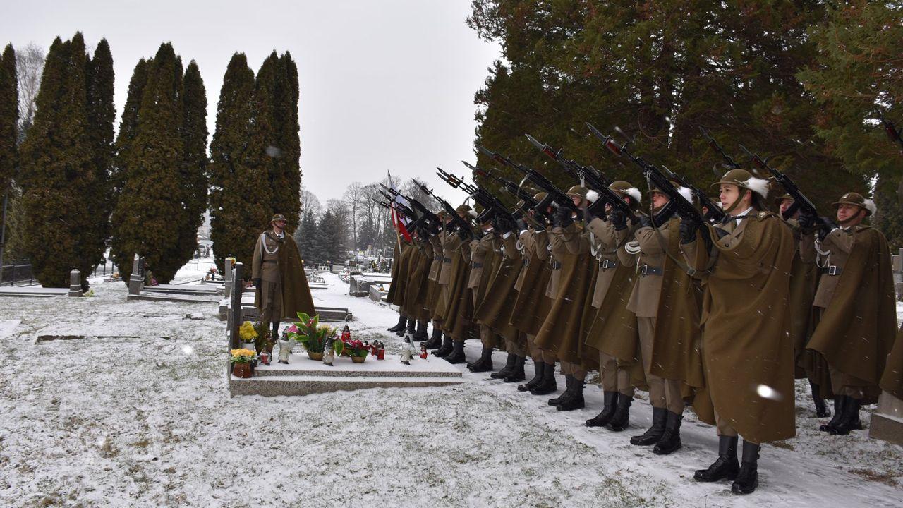 Na cmentarzu w Stonawie uczczono ofiary zbrodni sprzed wieku (fot. fb/Głos - Gazeta Polaków w Republice Czeskiej_