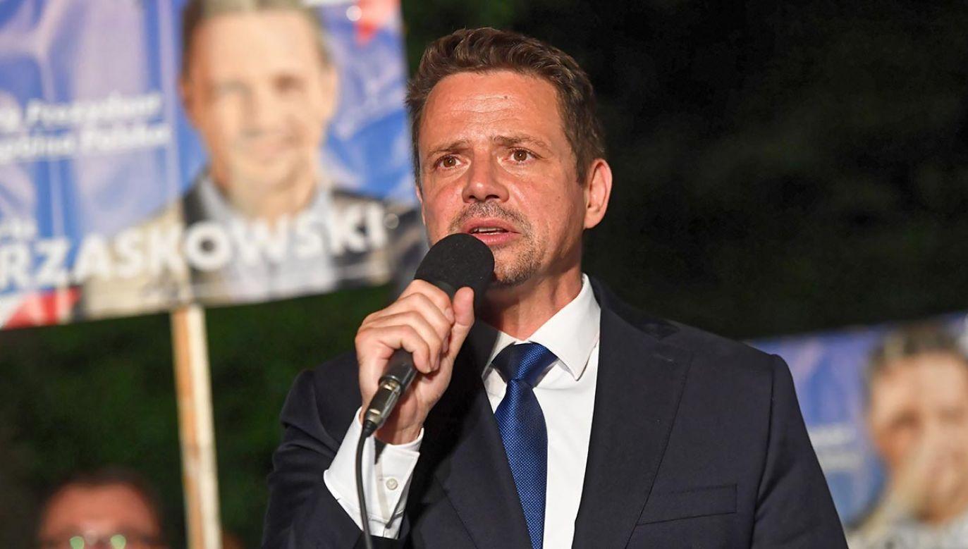W kwietniu prezydent Warszawy Rafał Trzaskowski wystosował pismo do zarządu dzielnicy Bemowo, informując w nim o znacznym uszczupleniu dochodów stolicy (fot. PAP/Piotr Nowak)