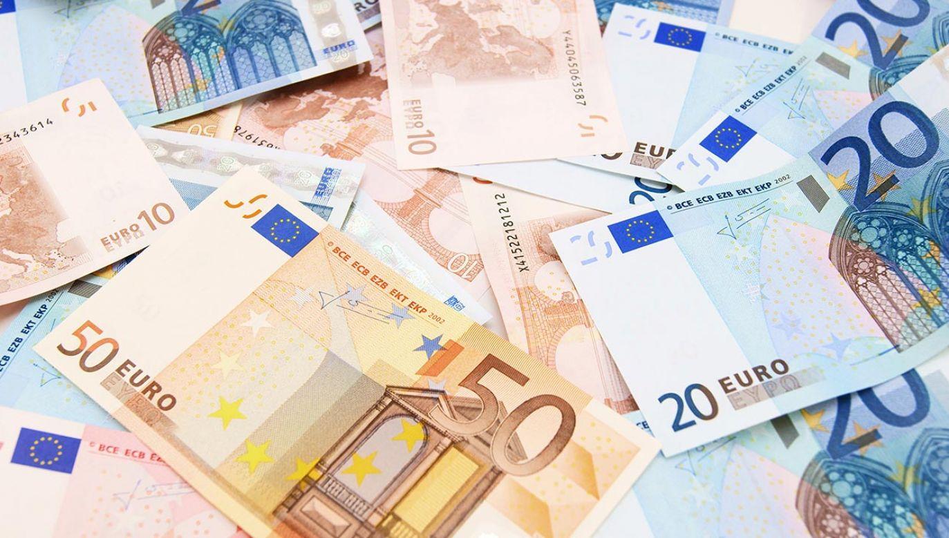 Średnia unijna to 5,6 proc. w relacji do wielkości gospodarki (fot. Shutterstock/ArtemSh)