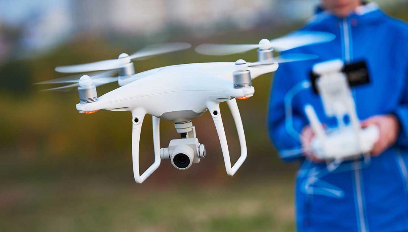 Mężczyzna jest także oskarżony o używanie drona bez rejestracji (fot. Shutterstock/Dmitry Kalinovsky)