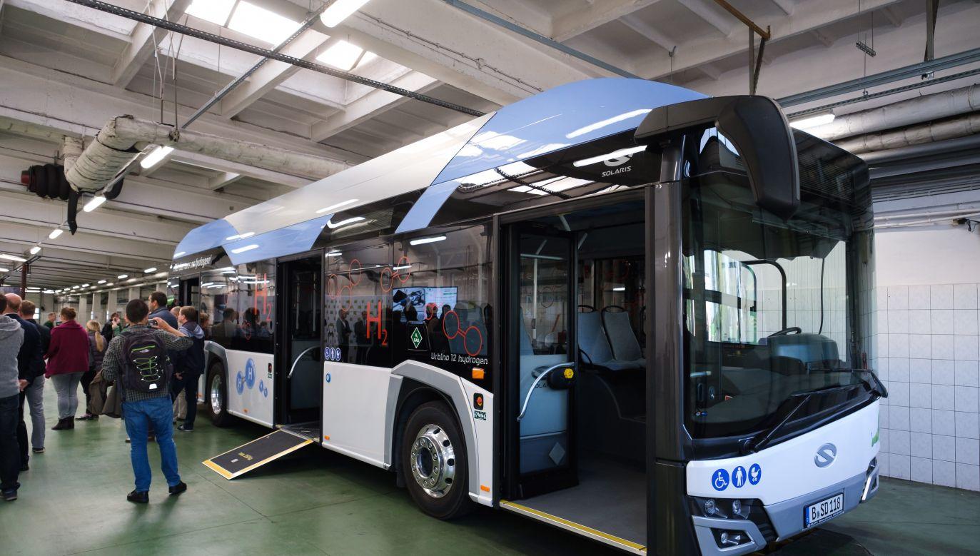 W 2030 r. autobusy elektryczne będą stanowiły ok. 52 proc. całej europejskiej floty (PAP/Jakub Kaczmarczyk)