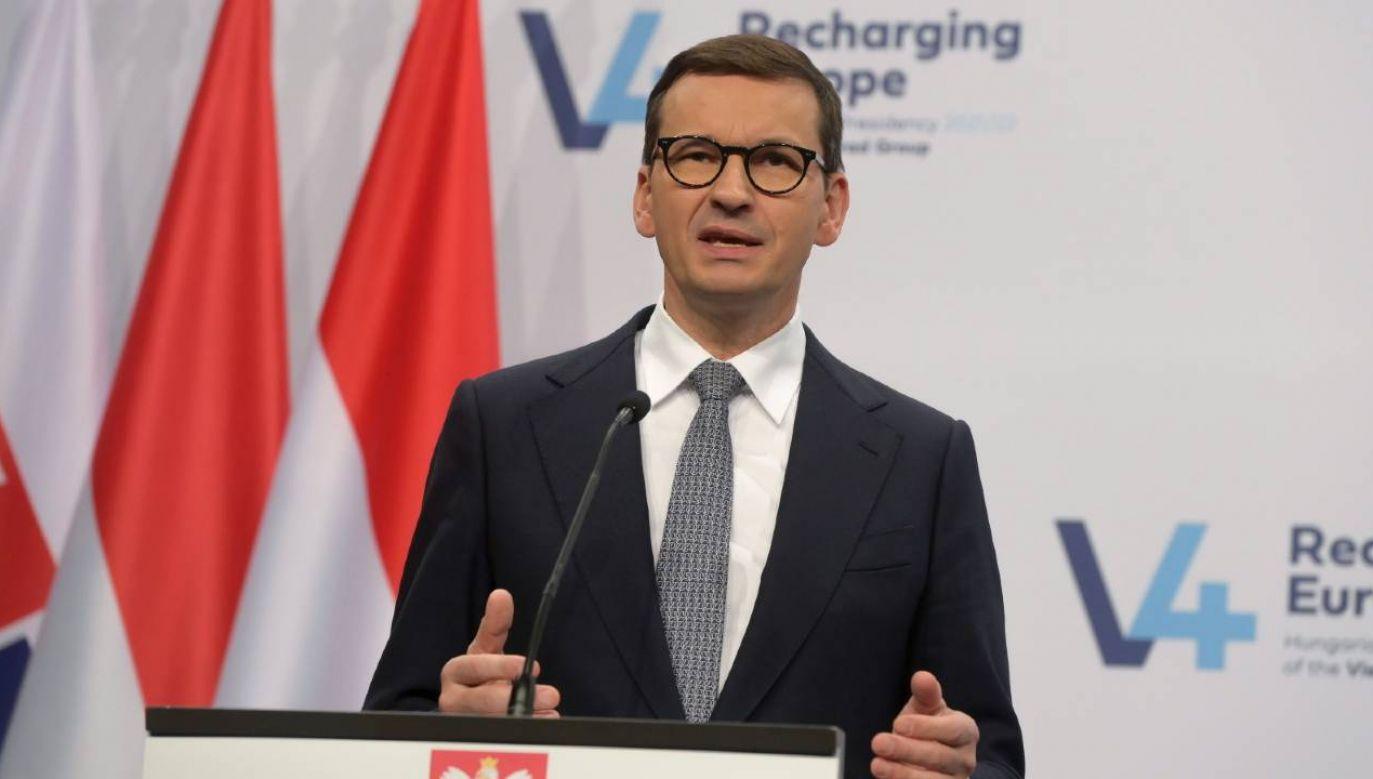 Chcemy, żeby owoce wzrostu były dzielone sprawiedliwie - zadeklarował premier (fot. Szilard Koszticsak  PAP/EPA)
