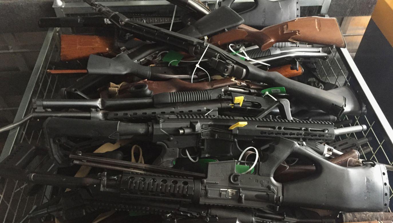 Nowozelandzki parlament po masakrze w meczetach w Christchurch zaostrzył przepisy dotyczące broni (fot. New Zealand Police/Getty Images)