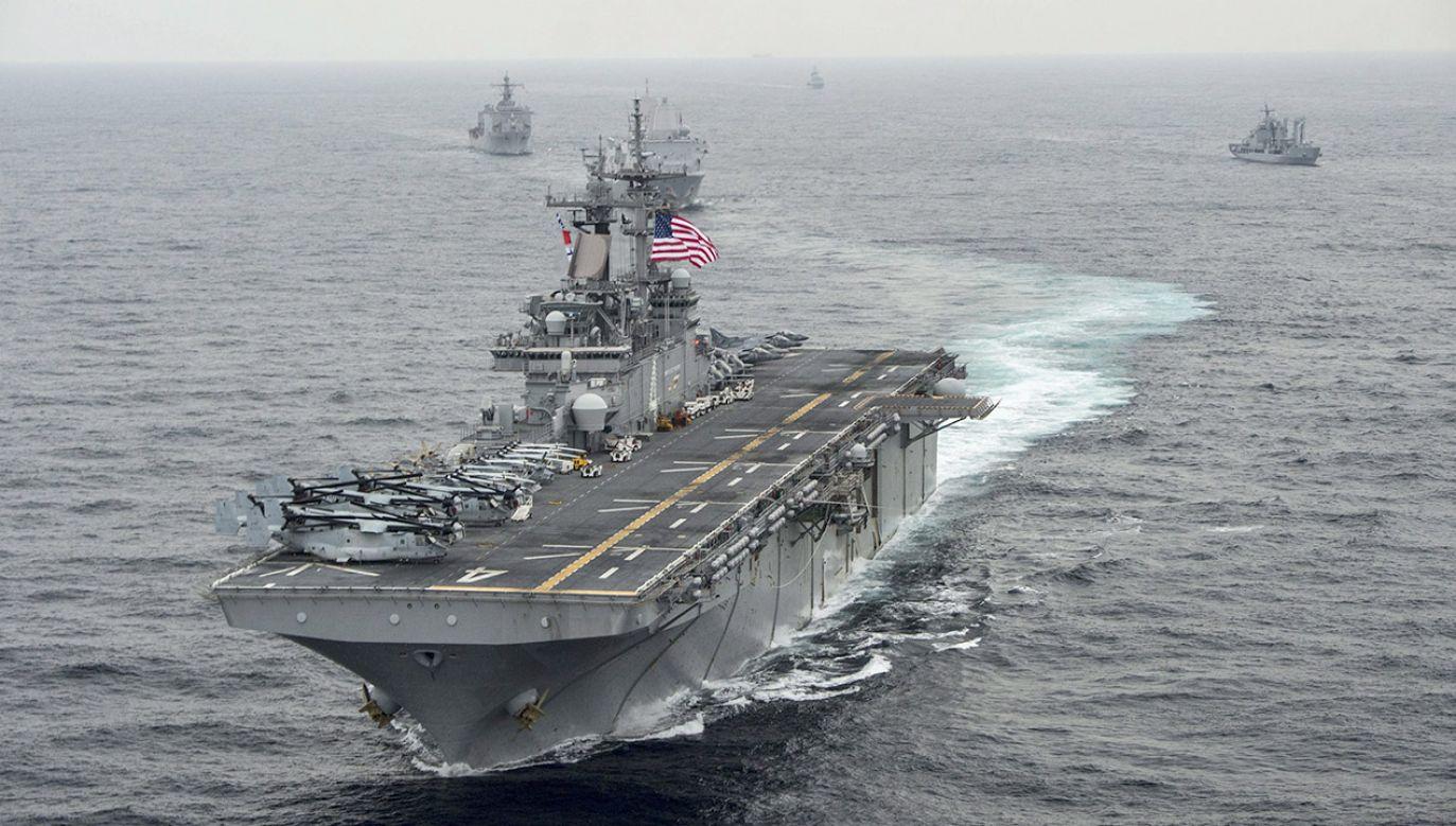 Drona zestrzelił amerykański lotniskowiec USS Boxer (fot. PAP/EPA/MCSN CRAIG Z. RODARTE /HANDOUT)