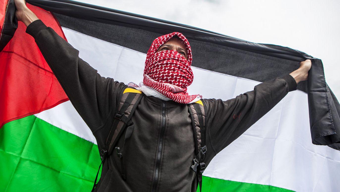 Palestyńczycy już protestują przeciw planom Izraela (fot. Agoes Rudianto/NurPhoto via Getty Images)